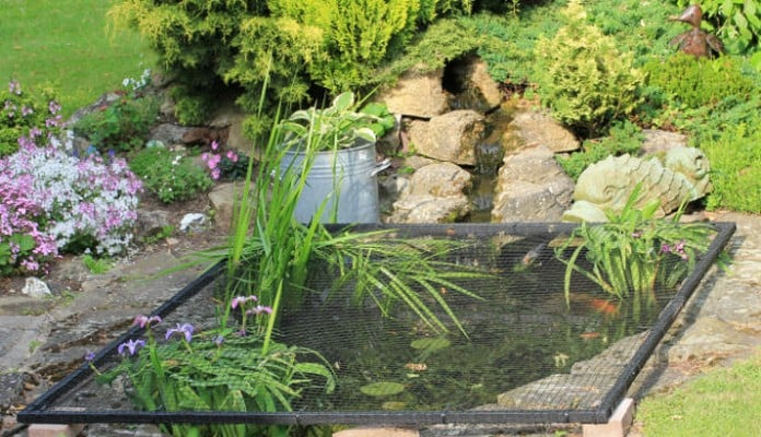2m x 1.5m Flat Steel Pond Cover, Mr Sessions - Oxon