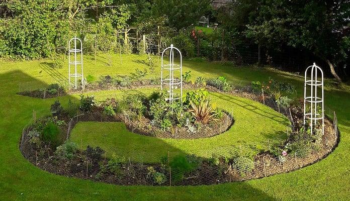 Silk Grey Grand and Round Obelisks, Mrs Allen - Dorset