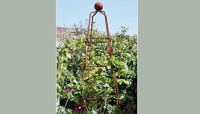 Rust Pyramid Steel Wire Obelisk, Mr Stewart - Devon