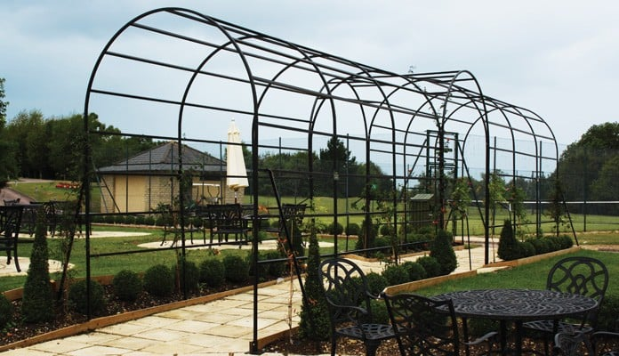 Roman Bisecting Pergola Two Way 1