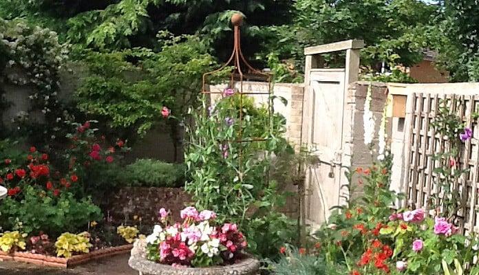 Rust Square Column Wire Obelisk, Mr Dalzell - Cambridgeshire