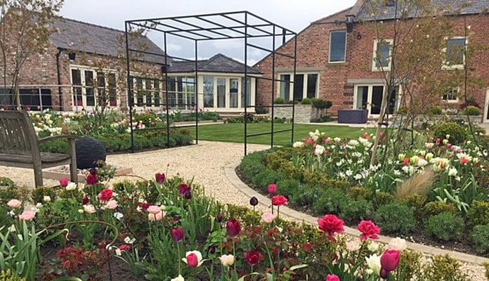 Daisy Barn Garden Square Pergola