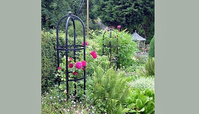 Steel Round Obelisks, Mrs Pearce - North Yorkshire