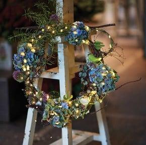 Wreaths & Faux Flowers