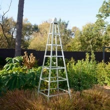 Steel Grand Pyramid Obelisk - Lichen Green
