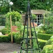 Steel Pyramid Obelisks - Matt Black