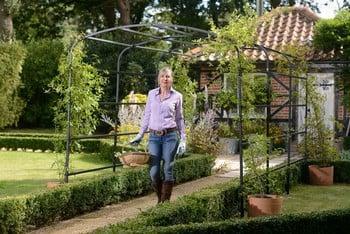 Harrod Ellipse Garden Pergolas