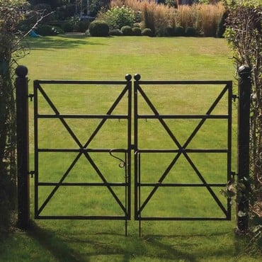 Estate Fence Gate - 'X' Brace Design