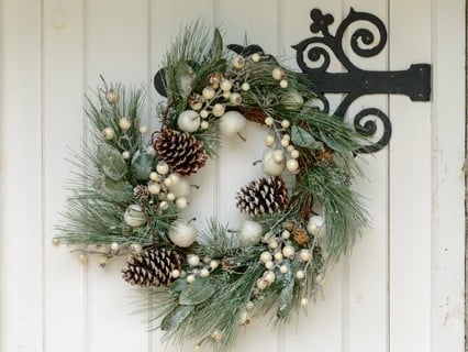 Christmas Garlands & Wreaths