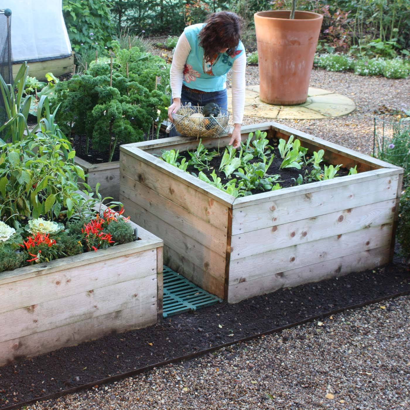 10 Ways To Style Your Very Own Vegetable Garden: Raised Beds & Garden Planters
