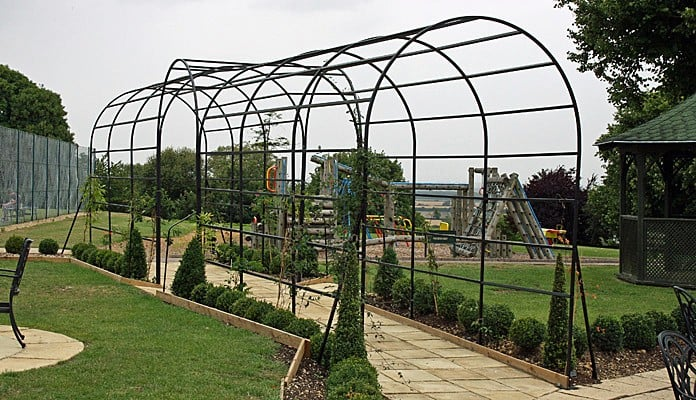 Roman Bisecting Pergola Two Way 2