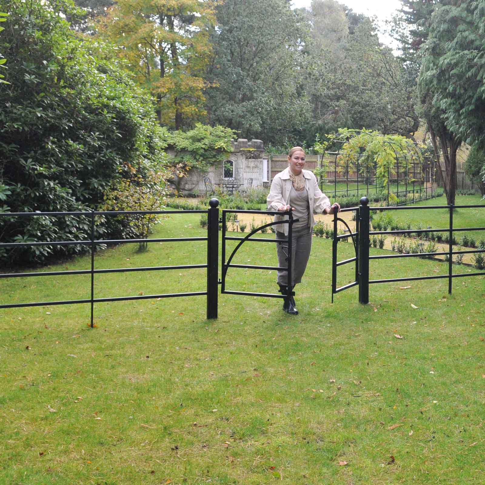 Estate Fencing and Optional Gate