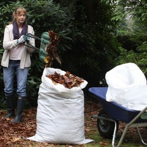 These Jumbo Garden Tidy Bags Will Prove Invaluable In The Garden When Clearing Up Leaves, Collecting The Clippings From Pruning, Emptying The Compost