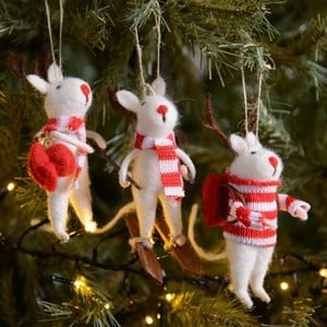 Designed By Gisela Graham These Eco Wool Hanging Mice Decorations Will Be A Popular Addition To Your Christmas Tree Or Hang Them Around The Home For A