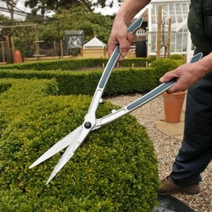 These Super-lightweight 750g, Aluminium Handled Topiary Hedge Shears Feature Highly Pointed Blades With Black Rubber Grips And Cushion Stops To Reduce