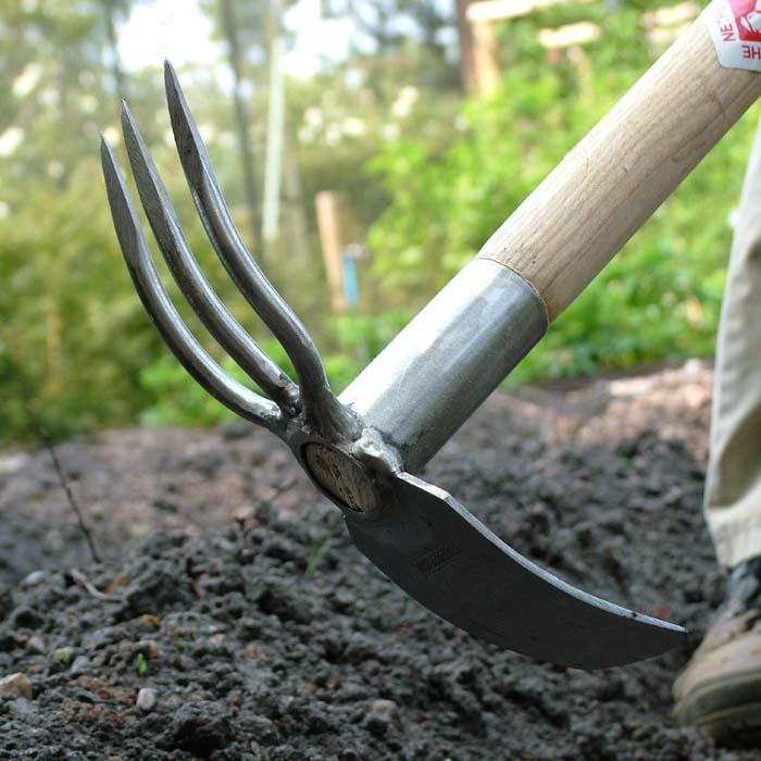 Sneeboer long handled fork and mattock harrod for Long handled garden fork