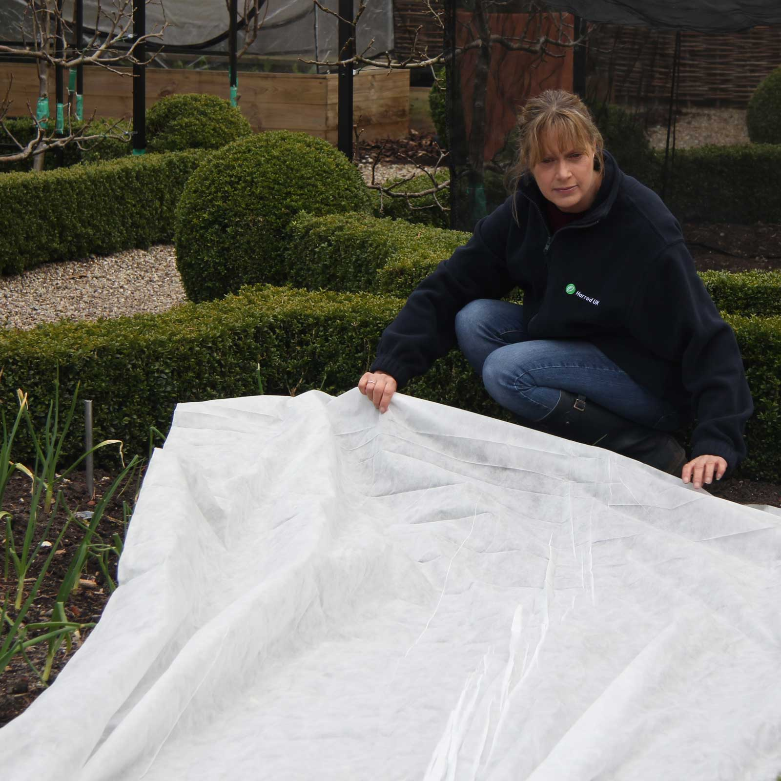 Frost Winter Plant ProtectionGarden Fleece for Plants //// FAST UK DESPATCH