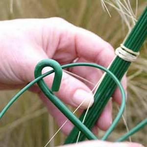 Use These Green Plastic Coated Thin Steel Y-stake Tying Wires (supplied In A Pack Of 30) To Create Additional Plant Support By Tying In To The Tip Of