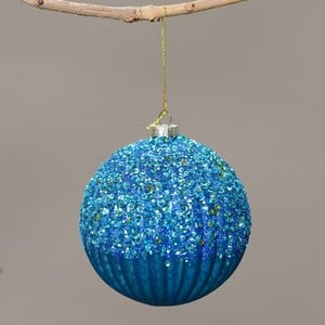 The Victoria Bauble Is A Blue/green Colour And Measures 10cm In Diameter And Will Be A Real Focal Point On The Tree. This Beautiful Christmas Bauble I