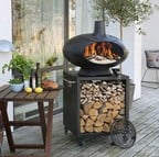 Outdoor Grill Forno with Small Table