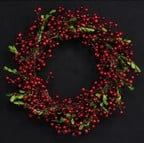 Red Berry Wreath by Gisela Graham