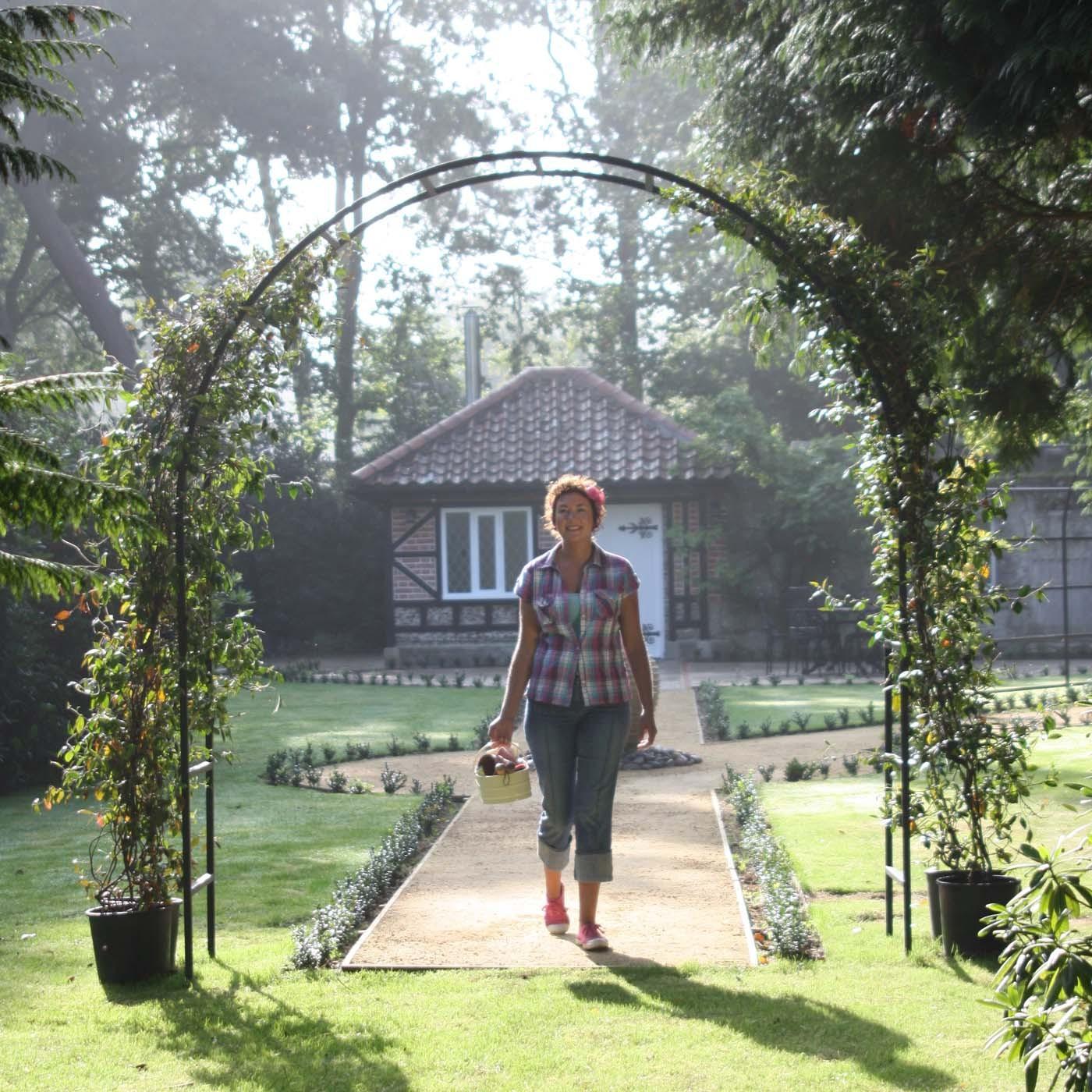 Garden arch designs photograph hover over image to zoom for Roman garden designs