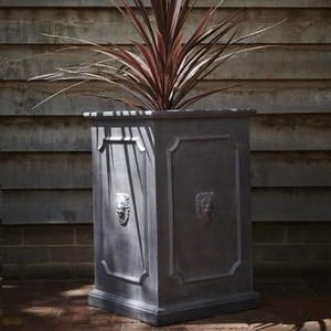 https://www.harrodhorticultural.com/uploads/images/products/Tall-Lion-Planter.jpg