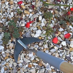 The Innovative Burgon And Ball Weed Slice Has A Compact Head That Cuts On The Push And Pull Strokes And Gets The Job Done In Half The Time When Weedin
