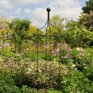 Harrod Vintage Square Wire Obelisks