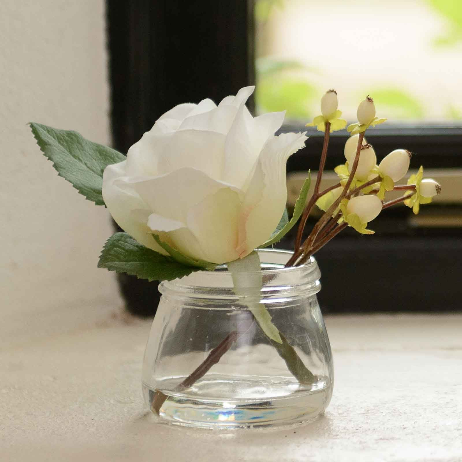 White Rose And Berries In Small Vase Harrod Horticultural